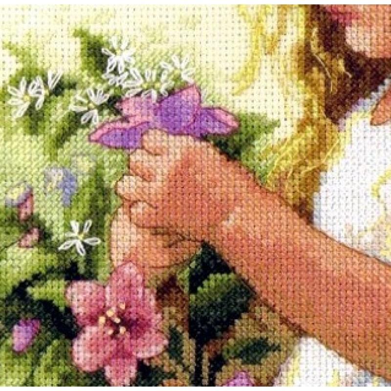 Вышивка крестом ангел цветочный 79